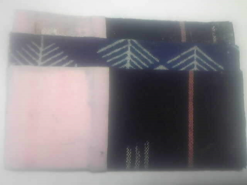 My hand-made O-O-O (only one original card case on the earth) wrapped with kimono cloth is given to  as  a gift. You can touch the traffic card such as PASMO in the case at the gates.