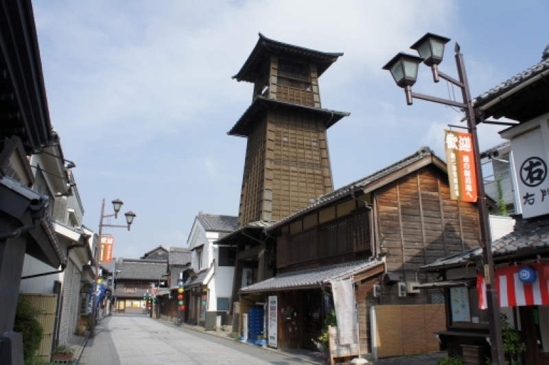Toki no kane (Time Bell tower)     A building where a bell has been rung to announce the time since the early Edo Period.  Its towering presence over the kurazukuri (storehouse) town has become a landmark of Little Edo, Kawagoe.