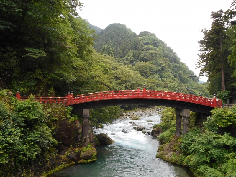 The Sacred Bridge (Important Cultural Property) The bridge looks down over the clear water of the Daiya River.