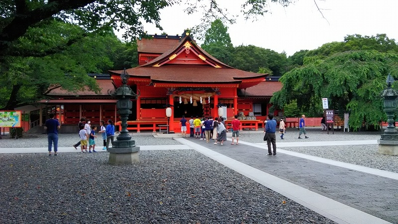 We can visit a shrine relating with mt. Fuji, which is called Kitaguchi sengen taisha.