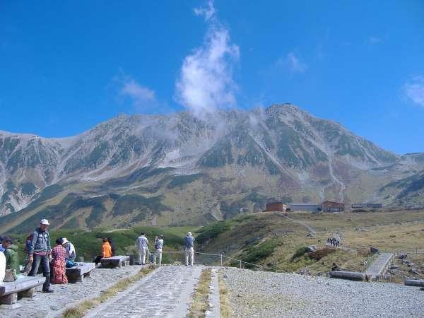 Mt. Oyama of Tateyama from Murodo plateau.
