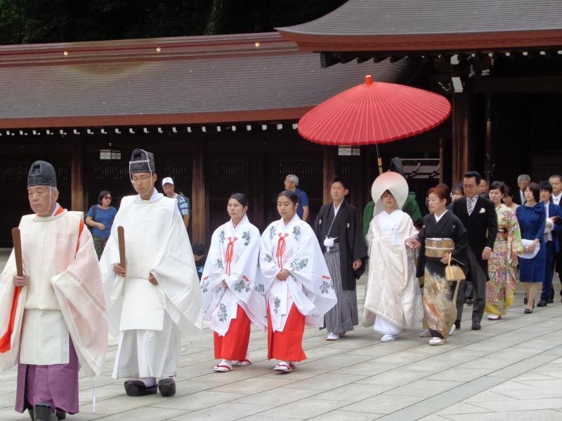 Hochzeitszeremonie, der traditionelle Stil am Meiji Schrein