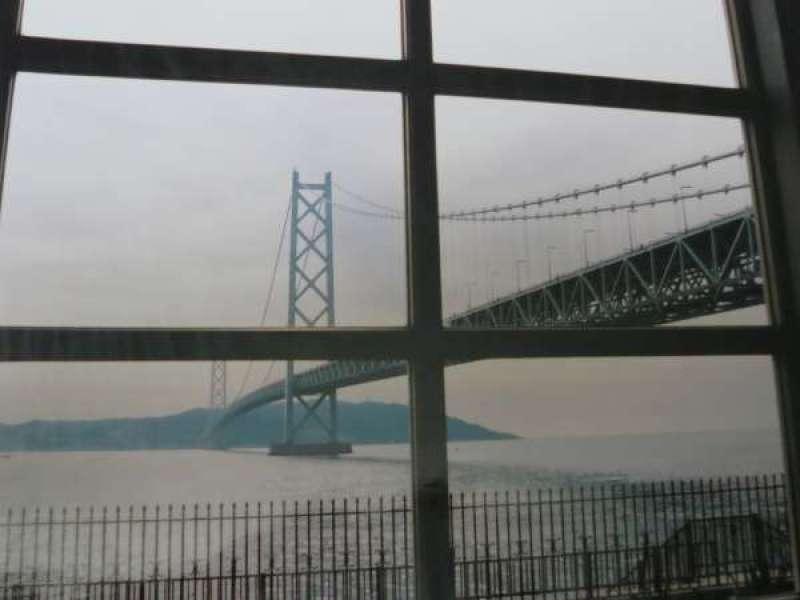 从孙文纪念馆(里面)眺望明石海峡大橋