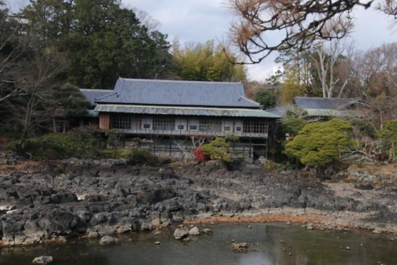 Rakujukan and Kohamaike pond