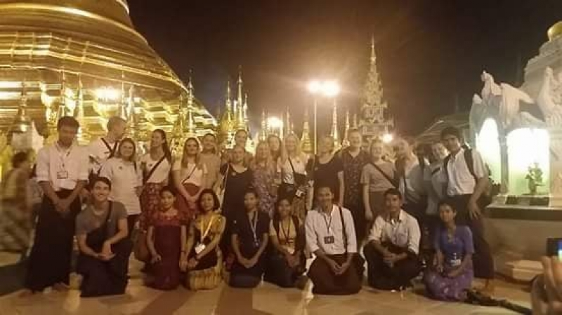 Private Yangon Walking Tour-Pagodas, Museum, and Market