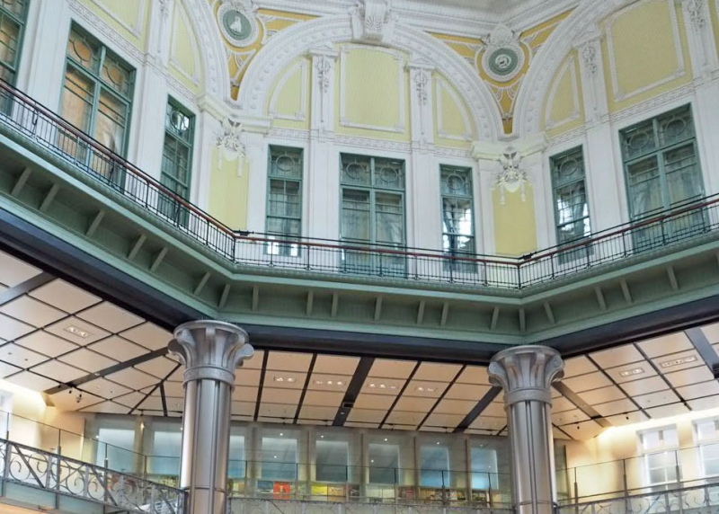restored dome of station's Marunouchi North Gate : The dome and third floor of the building was faithfully restored based on the original design in 2012.