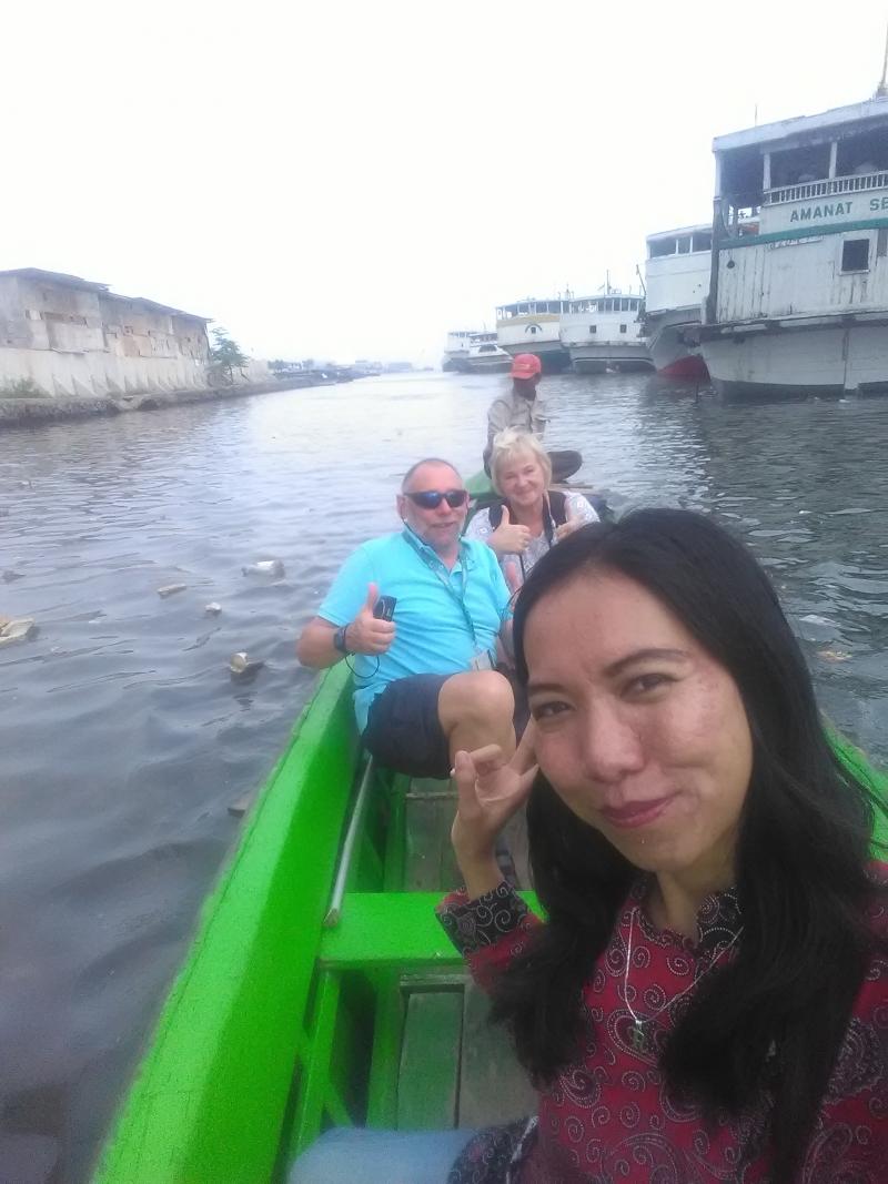 boating at SUnda Kelapa Harbour.