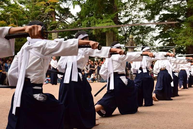 Samurai sword dance .