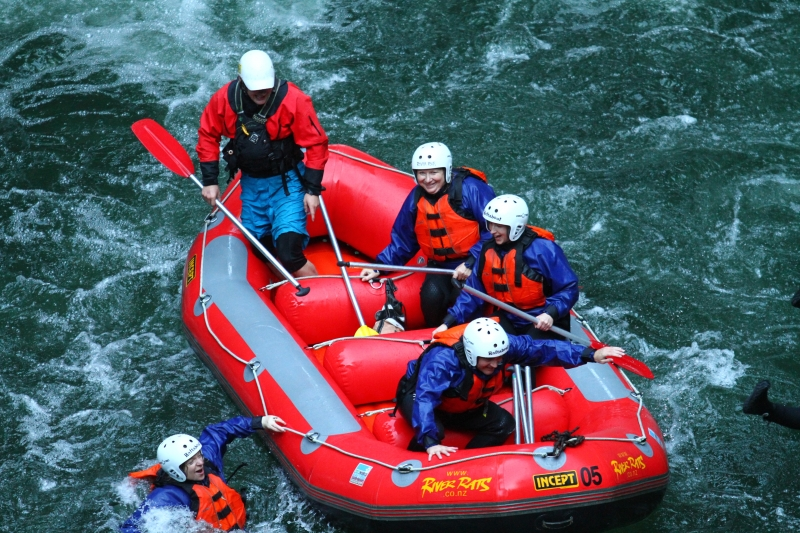 River rafting is FUN & fresh!