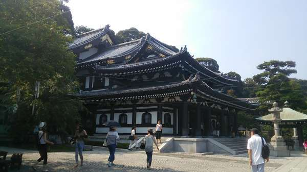 Magnificent main hall of Hase-dera temple