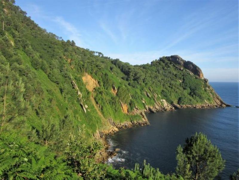 Mountain & coast trekking tour