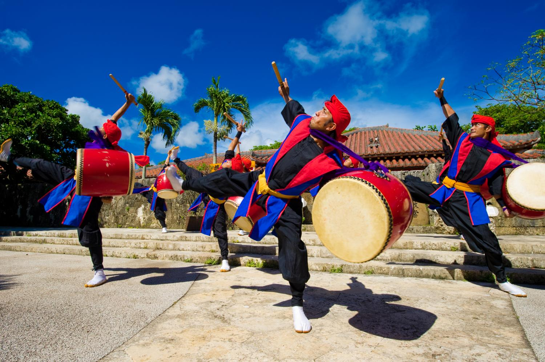 EISA dance show Okinawan traditional drum performance with dancing