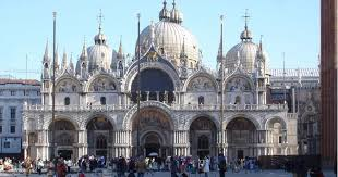 Highlights and hidden gems of Venice tour with Lucia