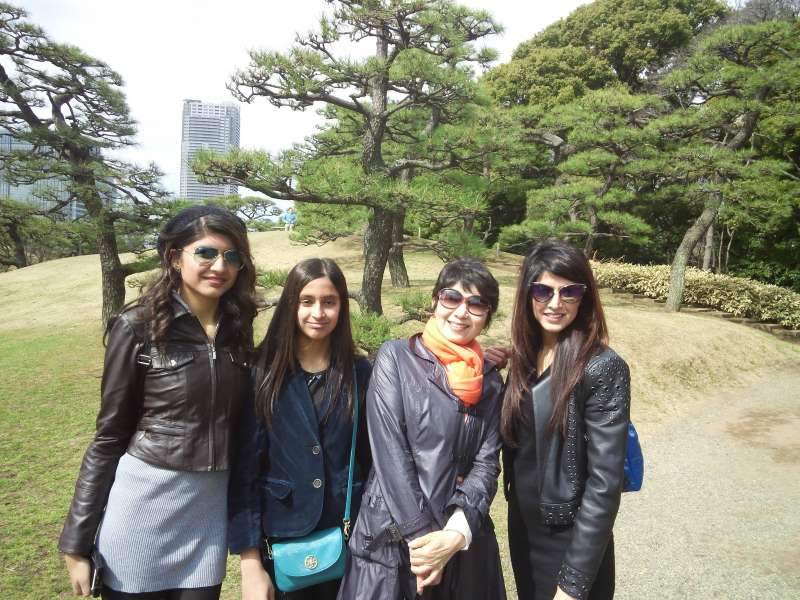 With guests from the US in Hama Rikyu Garden