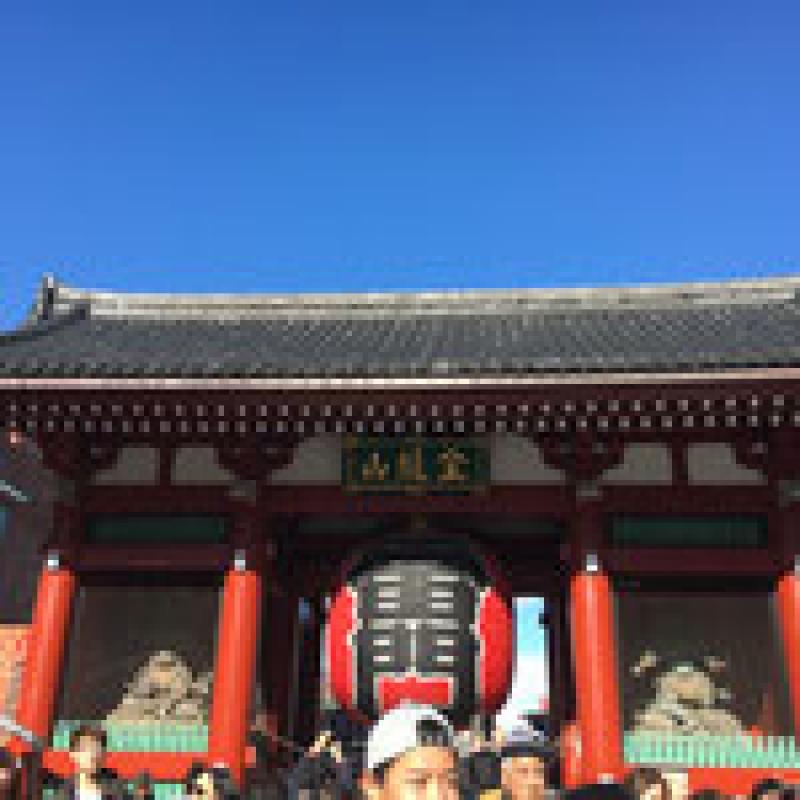 Kaminarimon, the symbol of Asakusa
