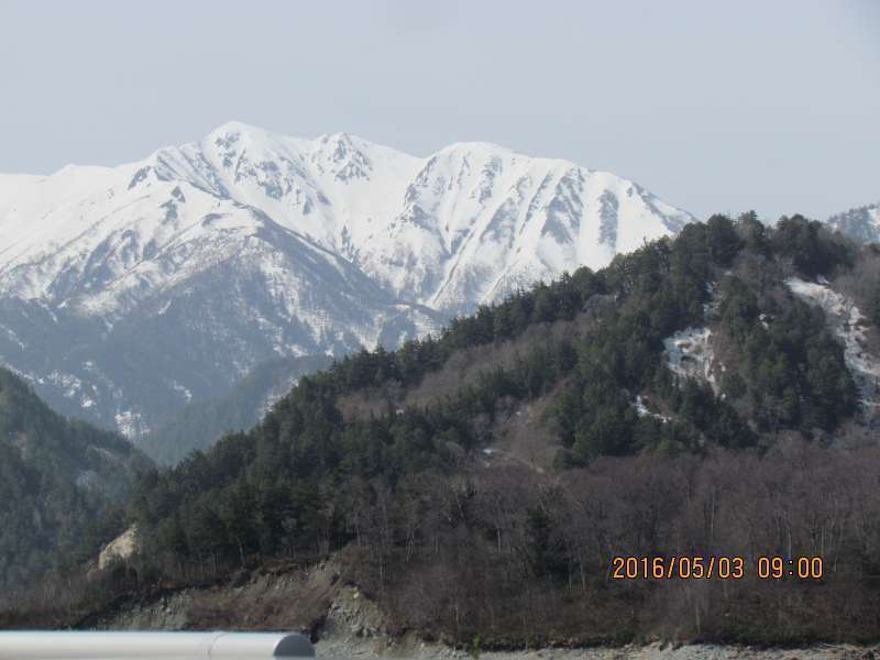 Snowy landscape from Kurobe dam