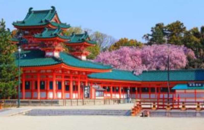 the shinto sanctuary at Heian Shrine