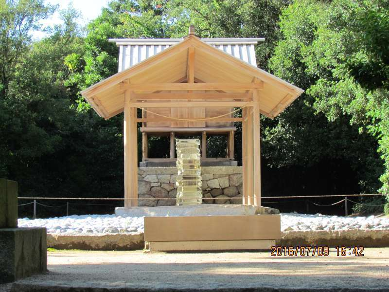 Upstairs built of glass in Go-o Shrine.