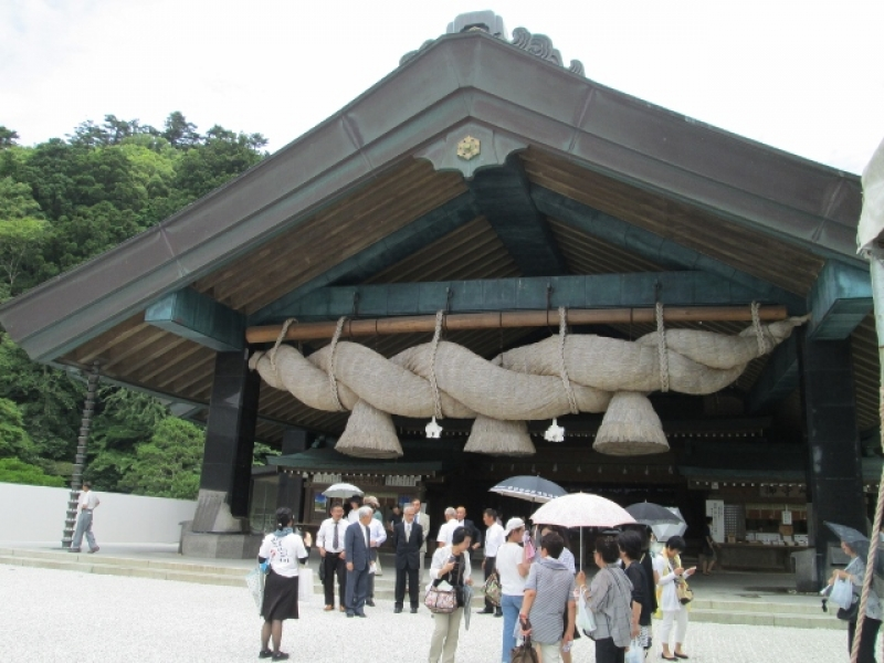 Izumo Grand Shrine's huge sacred straw rope of 4,5 tons,  the biggest one in Japan.